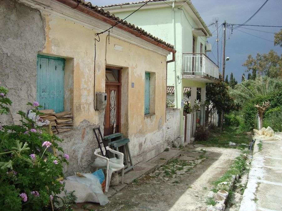 Plot with 2 buildings in Corfu.